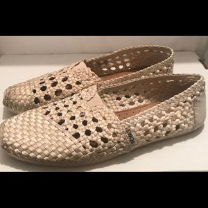 Toms Womens Woven Classics Slip On Shoes